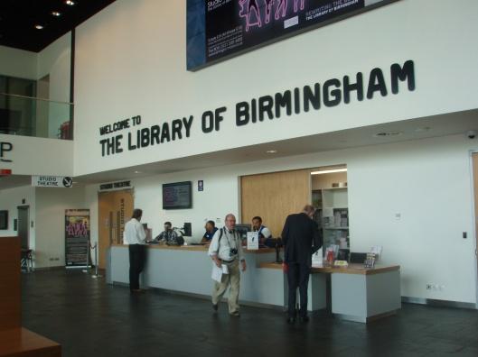 De hal van de Birmingham Library tevens fungerend als informatiecentrum voor toeristen