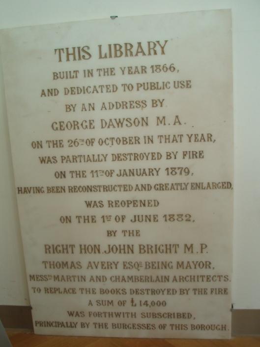 Gedenksteen van de in 1882 geopende bibliotheek in Birmingham die steeds meeverhuisde