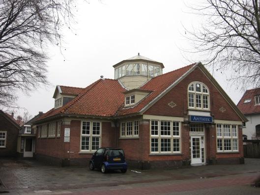 Van bibliotheek naar apotheek (foto Wikipedia)