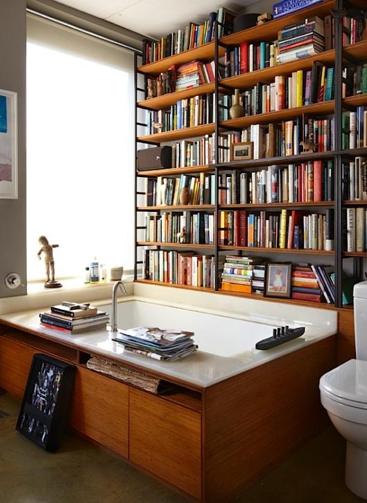 Badkamer met bibliotheek of bibliotheek met bad?