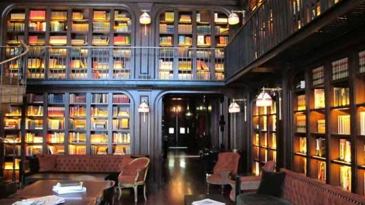 De boekenbar in het Nomad Hotel, 1170 Broadway, New York