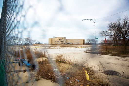 Als één van de locaties wordt het  vm.  'Michael Reese Hospital and Medical Center' in Bronzeville-Chicago genoemd, welk gebouw sinds 2008 leegstaat.