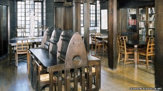 De Mackintosh library in art-deco stijl te Glasgow vóór de brand