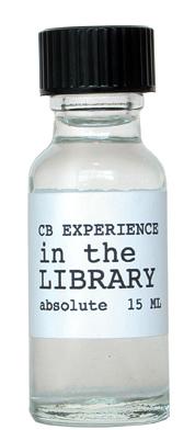 Voorbeeld van een flesje boekenparfum 'In the library', ontwikkeld door Christopher Brosius.