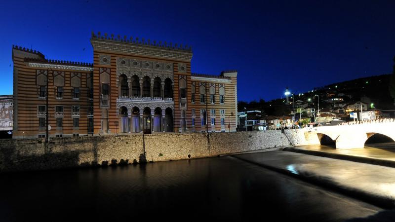 Het vernieuwde bibliotheekgebouw in Sarajevo