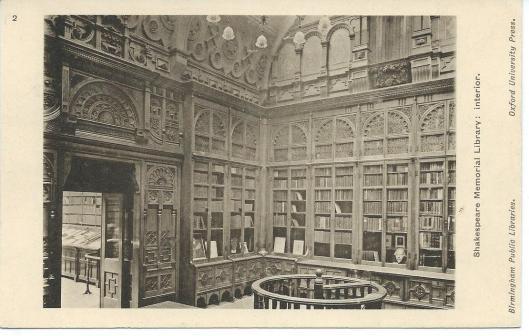 Het door Chamberlain in 1882 ontworpen interieur van de Shakespeare Memorial Library, in zowel 1974 als 2013 meeverhuisd naar nieuwbouw