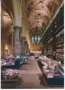 Interieurfoto van boekhandel Dominicanen in Maastricht