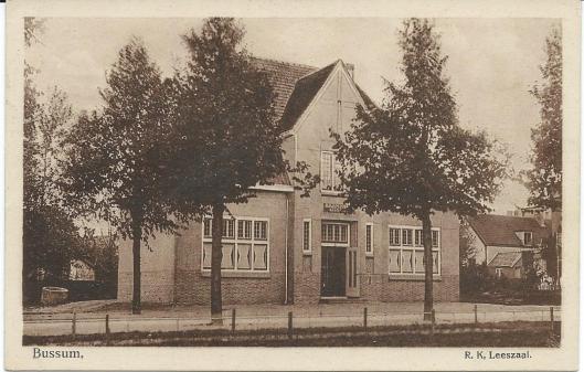 De R.K. openbare leeszaal 'Dr. Schaepman'aan het Wilhelminaplein 11 is in 1919 geopend. In 1922 werden 8.005 personen geregistreerd die 23.778 boeken leenden