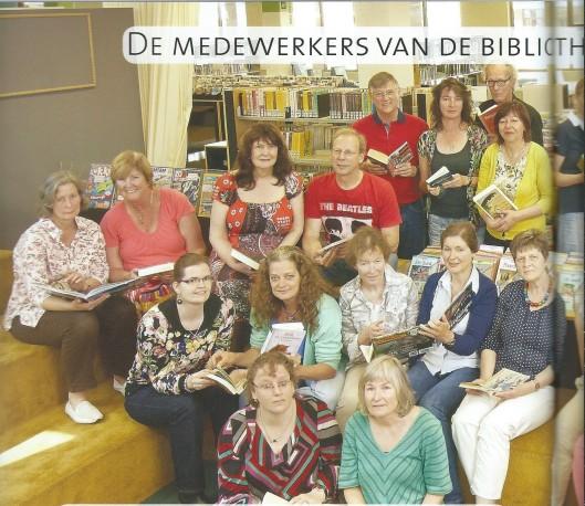 De medewerkers van de bibliotheek Naarden-Bussum in 2014 en hun favoriete boek. (Zie vervolg)