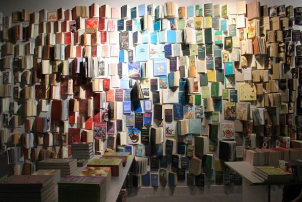 Het warenhuis Selfridges in Londen schiep zijn eigen bibliotheek om de macht van het gedrukte woord uit te drukken