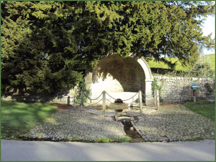 Een 'kale' bron in Tissington village