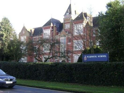 Kan Heemstede bogen op de oudste lagere school van Nederland op dezelfde plaats, de Warwick School gaat terug tot het jaar 914 en is daarmee de oudste jongensschool van Groot-Brittannië. Het is een onafhankelijke school voor jongens van 7 tot 18 jaar, tevens internaat.
