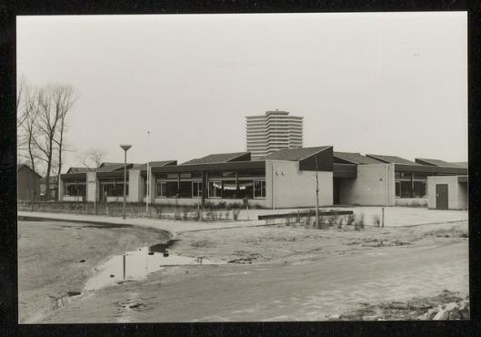 Nieuwe kleuterschool Pinkeltje in Wageningen, 1975.