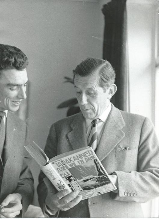 Dick Laan na ontvangst van het bij Van Holkema &  Warendorf verschenen boek 'Tarakanner tegen wil en dank'.