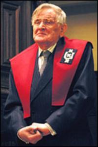 De als lezer van veel boeken zonder academische vorming geleerd geworden Kees Fens als hoogleraar aan de katholieke Radboud Universiteit Nijmegen.