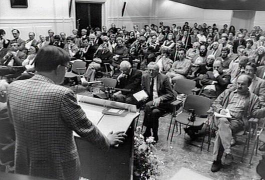 Kees Fens van achter bij het 60-jarig bestaan van de Katholieke Universiteit Nijmegen, 27 oktober 1983 (foto Jan van Teeffelen)