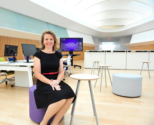 Mrs.Kathryn Miller, director library of the Florida Polytechnic University, including a library on the second floor, 11.000 square metres, without physical books.