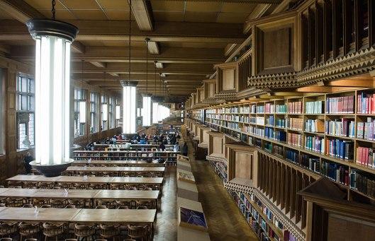 Interieur universiteitsbibliotheek Leuven (foto Geert van den Wijngaert)