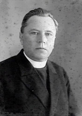 Foto van een jonge pastoor A.F.C.Noort van de O.L.V.Hemelvaartparochie Heemstede (KDC-Nijmegen)