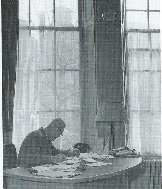 G.A.van Riemsdijk, eerste directeur van de bibliotheek- en documentatieacademie Amsterdam van 1964 tot zijn pensionering in 1969. Daarvoor directeur van de openbare bibliotheek Amsterdam van 1948 tot 1964 in welke periode er acht filialen in de wijken bijkwamen, het ledental groeide van 18,.632 naar 56.436 en het aantal uitleningen van 445.707 naar meer dan 2 miljoen per jaar.