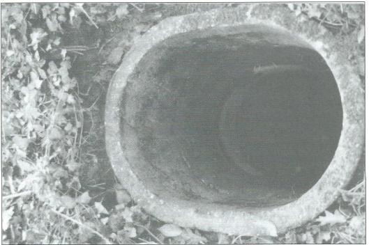 Een van de 125 schuttersputjes na mei 1942 op het landgoed van Hageveld gegraven toen ongeveer 700 leden van de Duitse Kriegsmarine in het gebouw verblijf hielden.