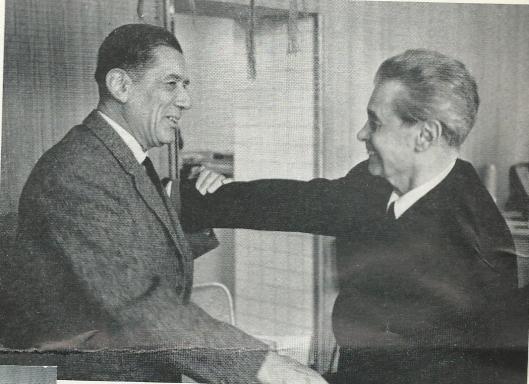'Een historisch weerzien: Dick Laan (bijna 70), de eerste amateurfilmer die ons land kende, ontmoet voor het eerst sinds 1933 zijn oude vriend uit de Avant Garde Joris Ivens (65) 'Uit: Smalfilm, maart 1964