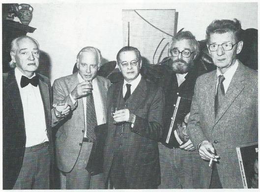 Bij de presentatie van een grammofoonplatenalbum 'Bomans was de naam' in 1978. Van links naar rechts: Bertus Aafjes, Michel van der Plas, Harry Prenen, Tony van Verre en Simon Carmiggelt.
