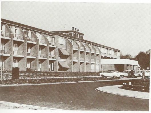 Het tehuis 'Meerleven' in Bennebroek dat in 1971 tot stand kwam onder de bezielende leiding van wethouder J.J.C.Jongmans