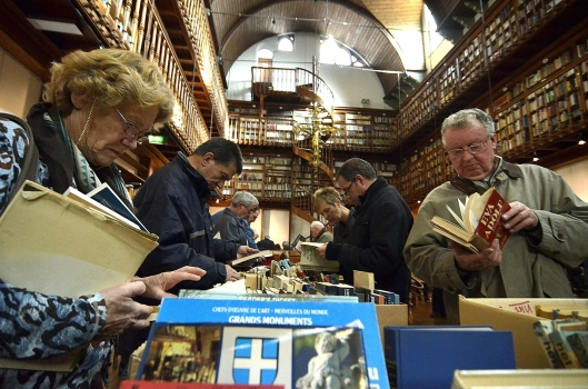 November 2013 zijn circa 5.000 boeken waarvoor geen ruimte was in de bibliotheekzaal van Wittem verkocht waarvoor grote belangstelling bestond