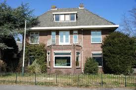 De villa op de hoek Zandvoorterallee en Zandvoortselaan waar Kloeck & Einarson waren gehuisvest voor verhuizing naar kantorencomplex 'Kennemerhaghe' aan de Leidsevaartweg.