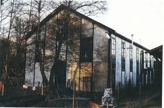 De vm. bollenschuur aan de Kadijk van de bloembollenfirma 'Braam en Zoon' in 1999.