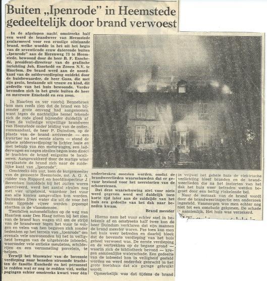Artikel over de brand op Ipenrode uit het Haarlems Dagblad van 26 mei 1956