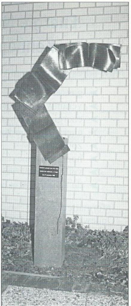 Open Boek door Eric Claus, 1990. Locatie: Bennebroekerlaan naast de openbare bibliotheek