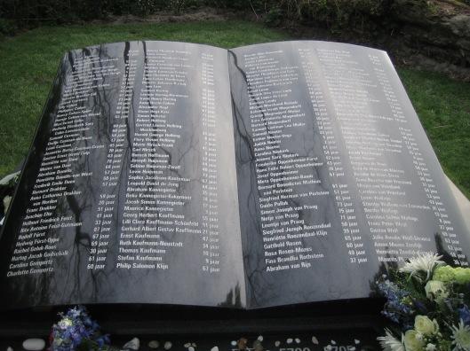 Op 4 mei is aan de Vrijheidsdreef nabij Groenendaal in Heemstede een herdenkingsmonument onthuld in herinnering aan 162 Joodse slachtoffers van WO II uit Heemstede. Het heet 'Boek van de Namen - 'Sefer HaSjemot' in navolging van een namenmonument in heerdenkingscentrum Yad Vashem te Jeruzalem. Onder het monument in de vorm van een opengeslagen boek is een door Harald van Perlstein uit Israël meegebrachte steen met davidster gedeponeerd. De grote steen is afkomstig uit China, werd gehouwen door..in Diemen en is ontworpen door Patrick van der Vegt, grafisch vormgever uit Haatlem die in 2013 ook het Joods monument in de Spaarnestad vorm gaf met in totaal 700 namen.