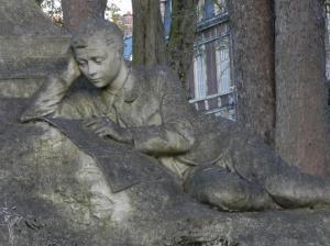 Beeld ter herdenking van de Franse schrijver Jules Verne in Amiens