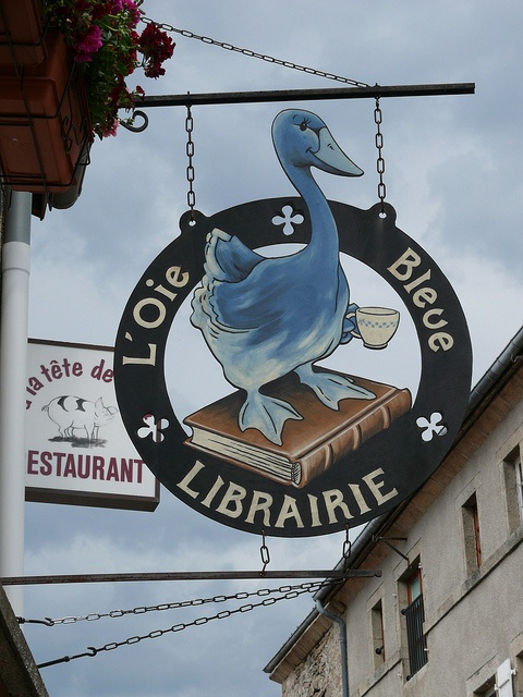 'L'Oie Bleue', boekhandel in La Chaise-Dieu, Frankrijk