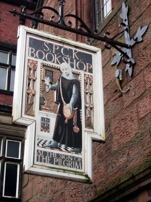 SPCK Bookshop met afbeelding van een pelgrim, Carlisle, Engeland