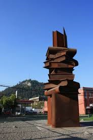 Boekenmonument in Chili (Pinterest)