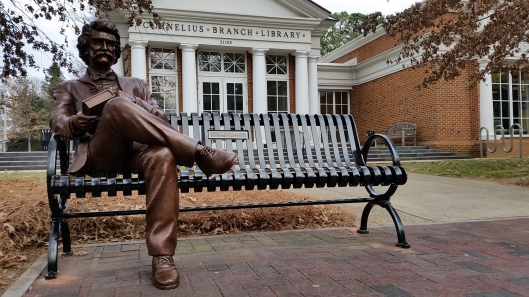 Statue of Mark Twain at the Cornelius Branch Library