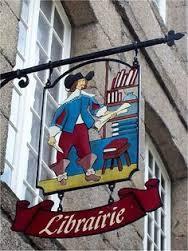 Uithangbord van boekhandel Dinan in Frankrijk (Pinterest)