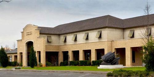 'Open Boek' .Stalen sculptuur voor de Fairhope Public Library, Alabama