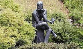 Beeld van de Ierse schrijver James Joyce op zijn graf in Fluntern begraafplaats, Zürich (Steffen Schmidt)