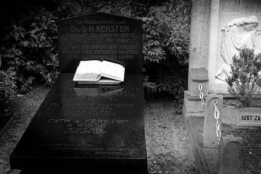 Graf van predikant en theoloog G.H.Kersten (1882-1948) op de begraafplaats Crooswijk in Rotterdam (foto RD, H.J.Visscher)