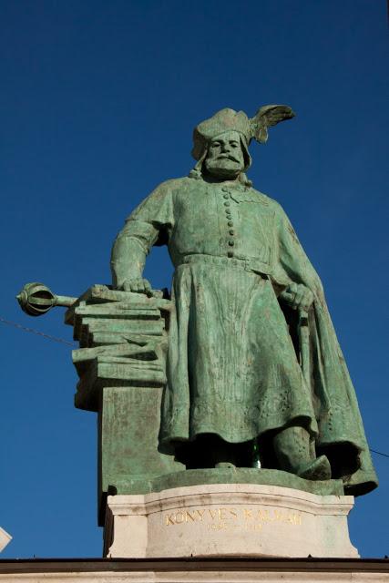 Kolomon/Kalman (circa 1070-1116), bijgenaamd 'de bibliofiel'. Was koning van Hongarije. Beeld in Budapest