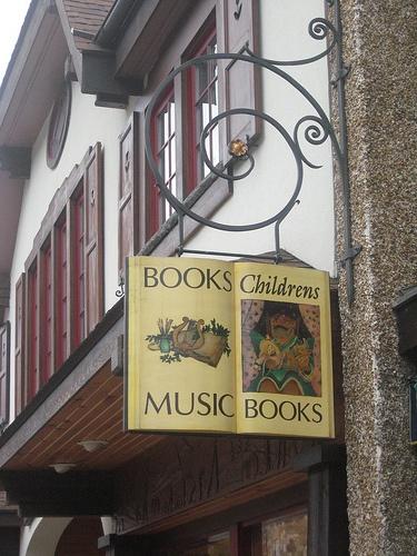 Uithangbord van kinderboekenwinkel in Lake Placid, USA