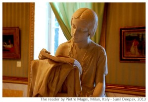 De lezeres; door Pietro Magni, Milaan (Sunil Deepak, 2013)