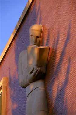Sculpture by Dudley Pratt: 'The Reader', Washington