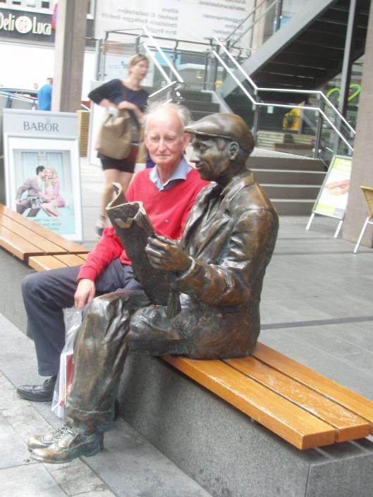 Hans Krol meelezend in Oslo, Noorwegen
