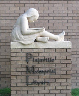 Reading girl, in: Plainville Memorial Library, Kansas, USA. Made in memory of Karen Nuckols after her death at the age of six.