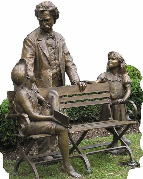 Sculptuur van schrijver Mark Twain in de Mark Twain Library, Redding, Connecticut, USA (James Armstrong)
